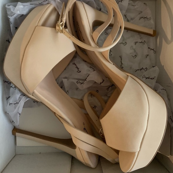 Qupid Shoes - Ankle Strap Heels